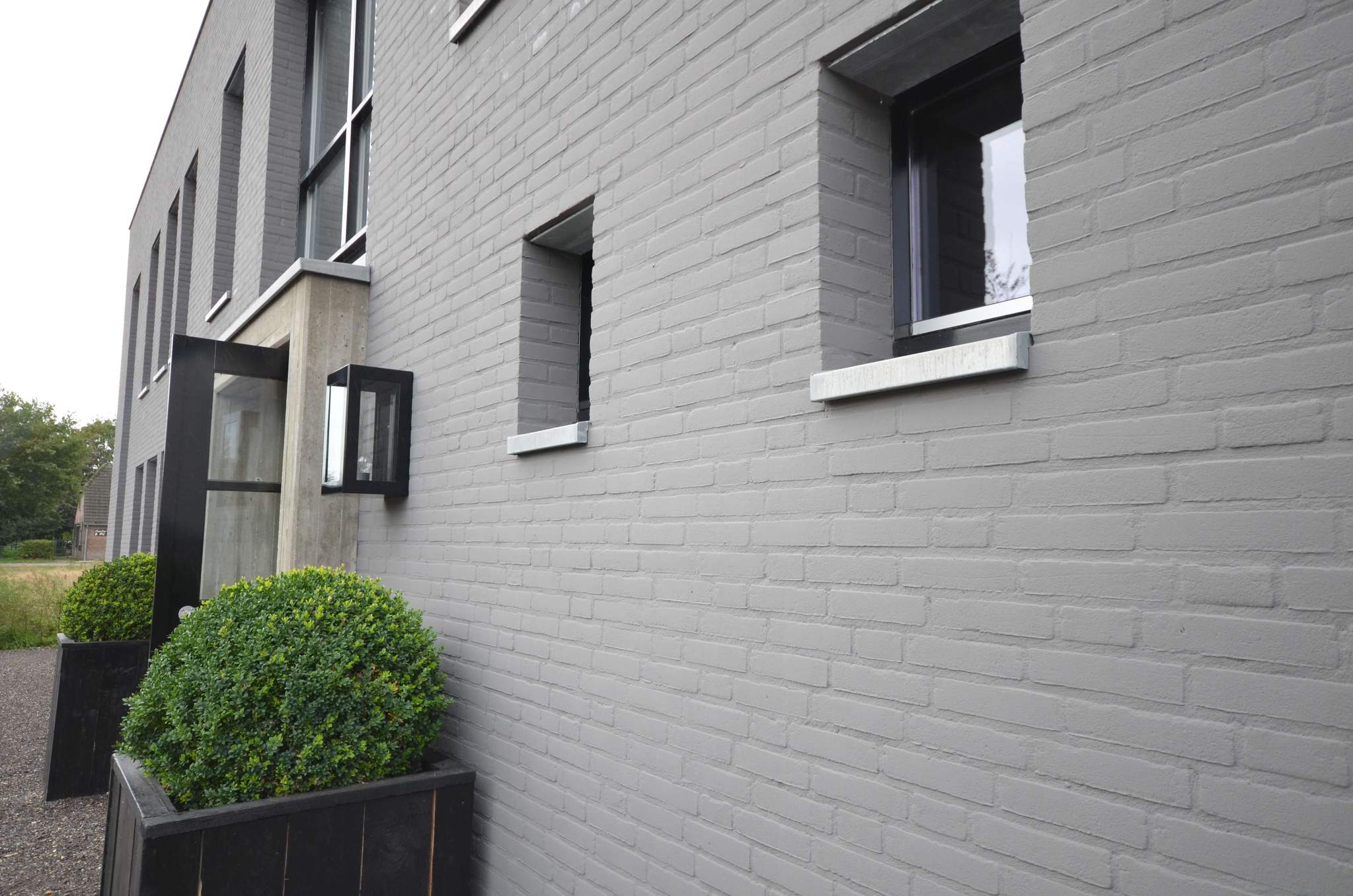 Painted brick is in know the pros and cons before you - Pros and cons of painting exterior brick ...